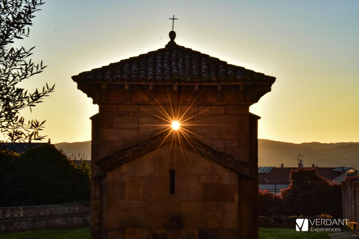 Fenómenos astronómicos en Galicia: Equinoccios en la Capilla de San Miguel de Celanova